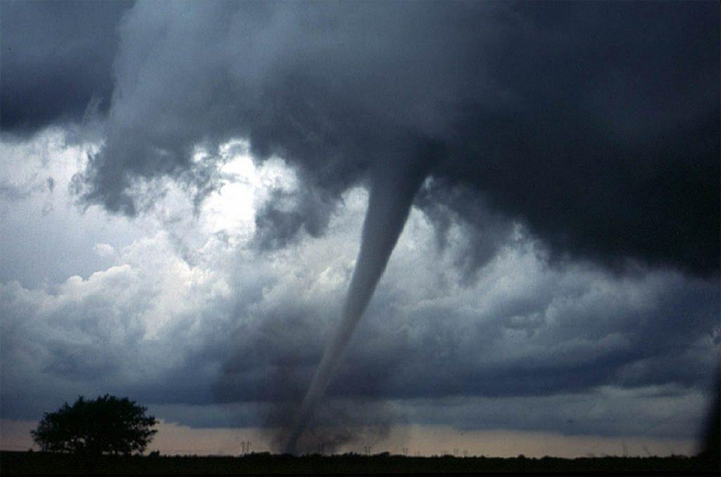 Kasırgalar Kuzeybatı Yönünde