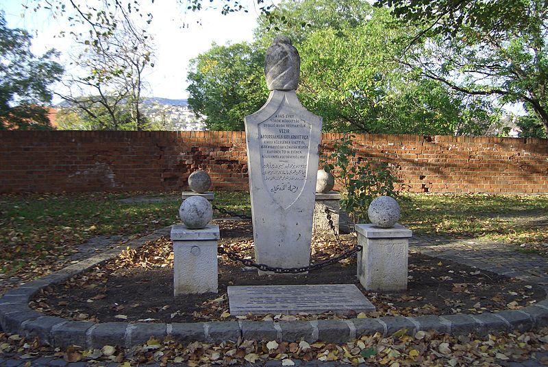 Abdi Paşa Anıtı Budin Kalesi