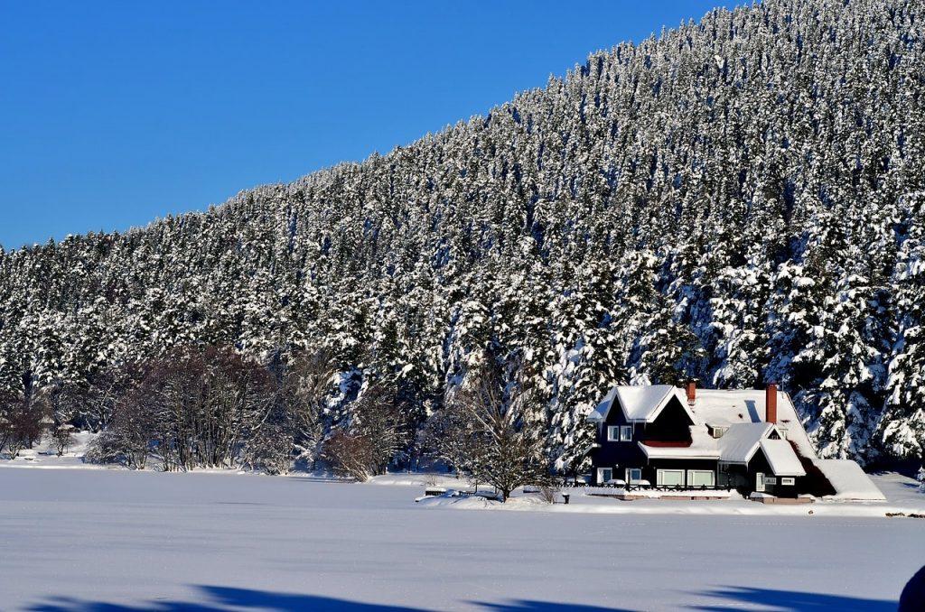Abant Gölü'nün Kışın Donmuş Hali
