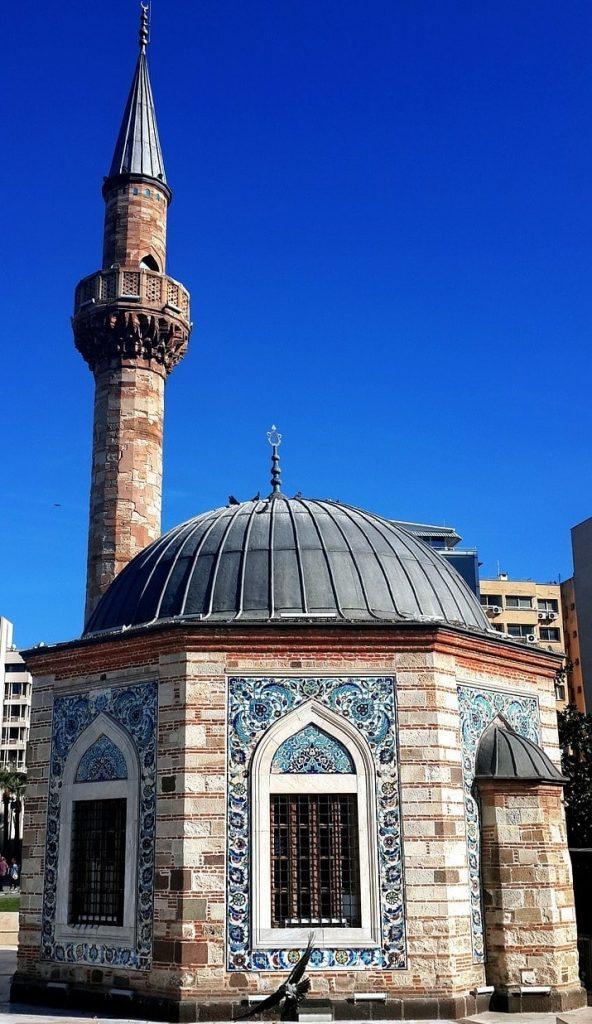 İzmir Konak Cami - İzmir Gezilecek Yerler