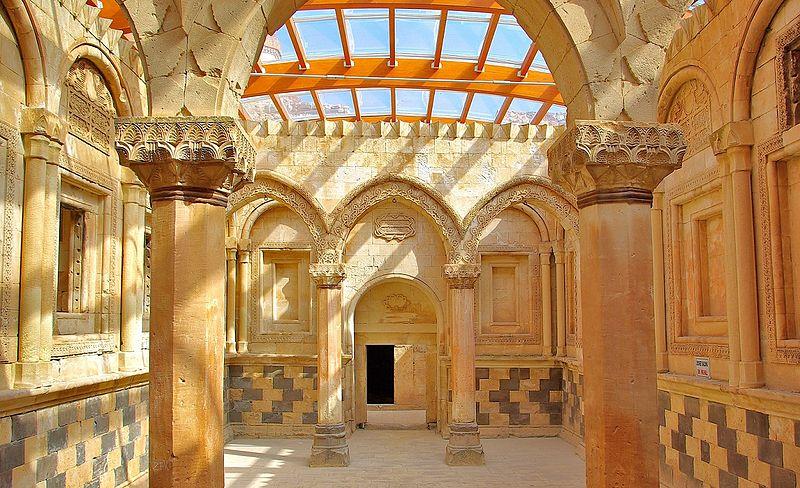 İshak Paşa Sarayı'nın İç Bölümü